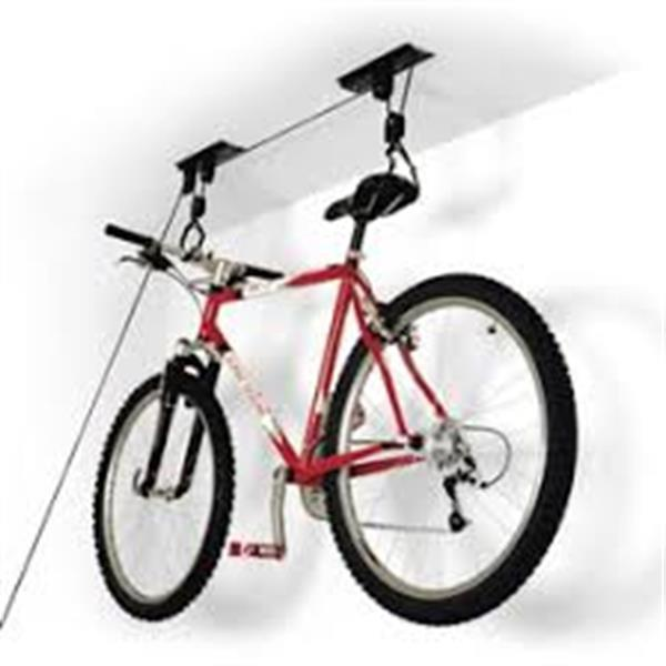 Grote foto fiets lift een eenvoudig ophangsysteem. fietsen en brommers racefietsen