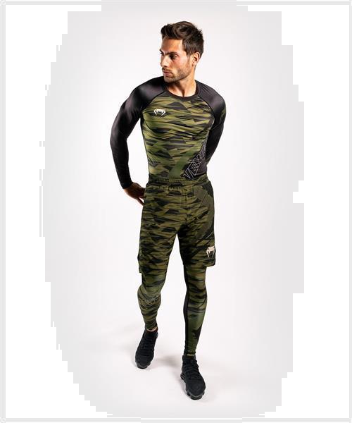 Grote foto venum contender 5.0 rashguards l s khaki camo kies uw maat sport en fitness vechtsporten en zelfverdediging
