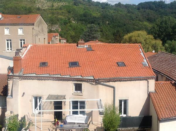 Grote foto dorpswoning met 8 kamers huizen en kamers bestaand europa