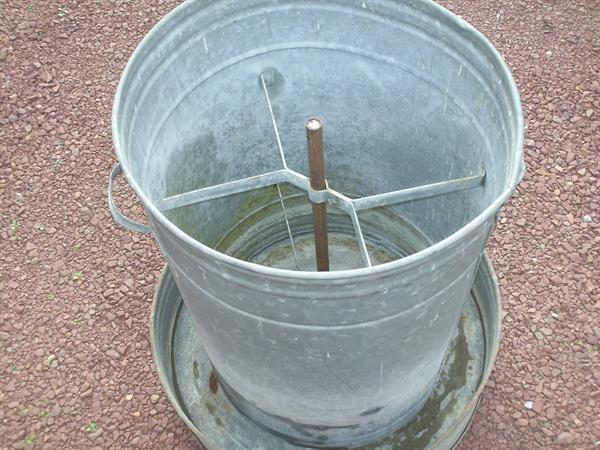 Grote foto zinken voederton silo pluimvee dieren en toebehoren pluimvee toebehoren