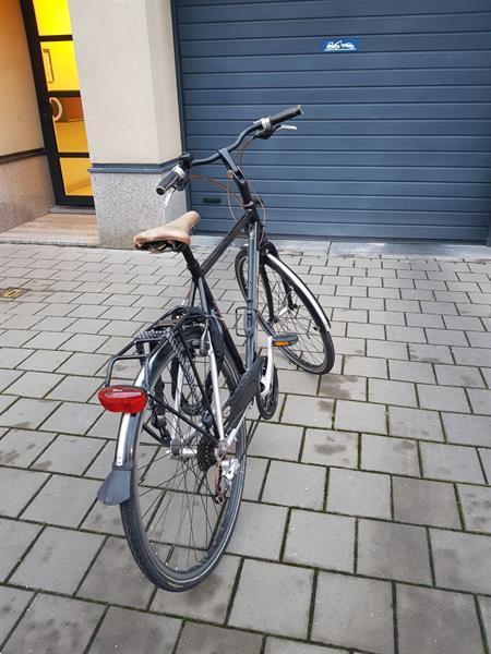 Grote foto stijlvolle koga herenfiets fietsen en brommers herenfietsen