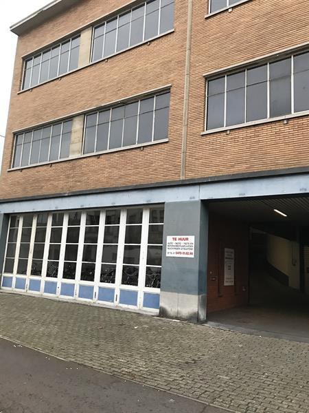 Grote foto parkeerplaats te borgerhout bedrijfspanden garageboxen te huur