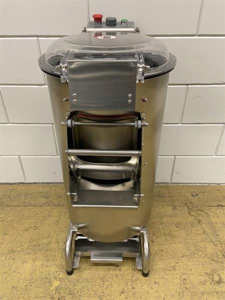 Grote foto rvs aardappelschrapmachine schrapmachine 300 kg uur 230v hor witgoed en apparatuur algemeen
