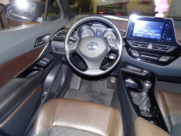 Grote foto toyota c hr 1.2 petrol manual auto toyota