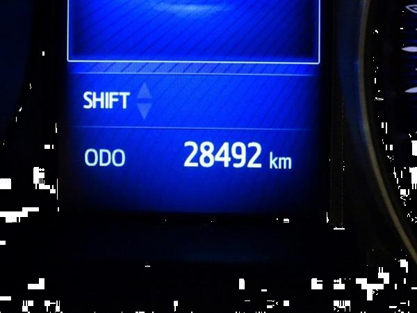 Grote foto toyota c hr 1.2 petrol manual auto toyota