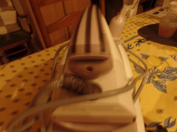 Grote foto alle plooien glad strijken witgoed en apparatuur strijkijzers en strijkplanken
