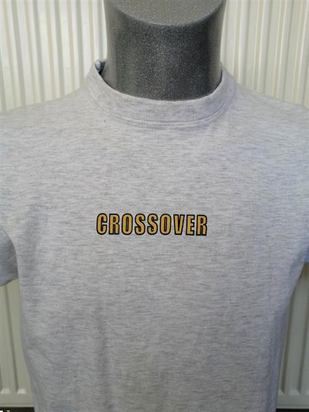 Grote foto lichtgrijs gemeleerd t shirt met crossover print kleding heren t shirts