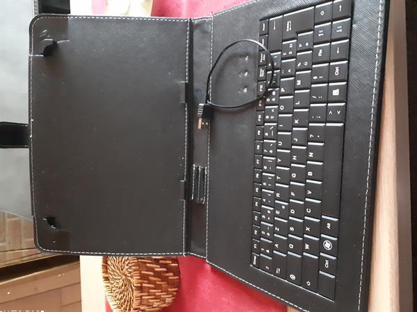 Grote foto mooie nieuwe met azerty toetsen computers en software hoezen overige tablets