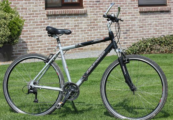 Grote foto fiets oxford hybride fietsen en brommers sportfietsen