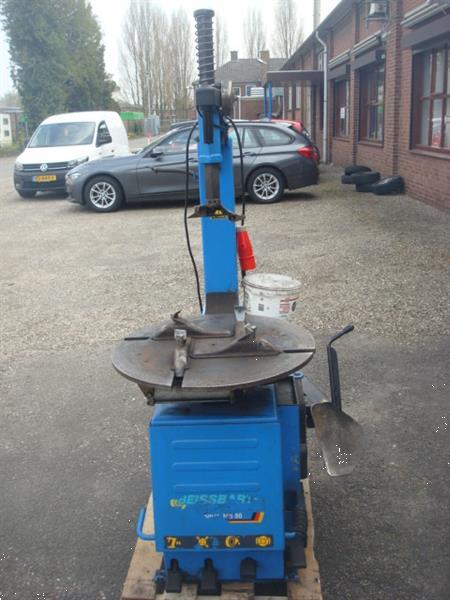 Grote foto banden apparaat demonteer machine beissbarth auto diversen gereedschap