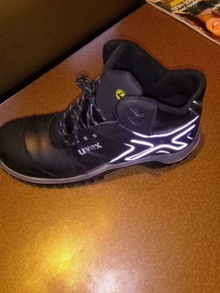 Grote foto splinternieuwe veiligheidsschoenen kleding heren werkschoenen