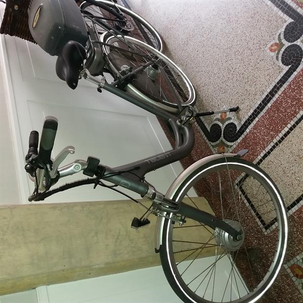 Grote foto talent e bike dames model fietsen en brommers damesfietsen