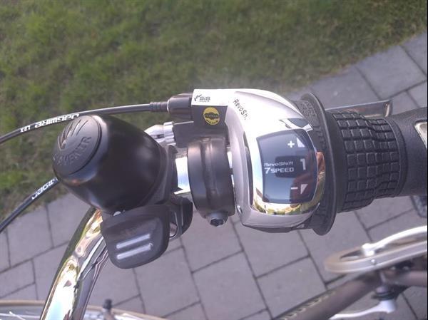 Grote foto e bike l avenir modera voltabike fietsen en brommers herenfietsen