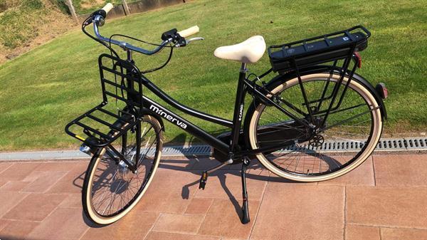 Grote foto nieuwstaat elektrische damesfiets minerva fietsen en brommers elektrische fietsen
