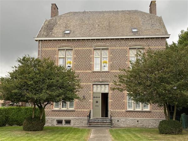 Grote foto authentieke pastoriewoning in gruitrode huizen en kamers vrijstaand